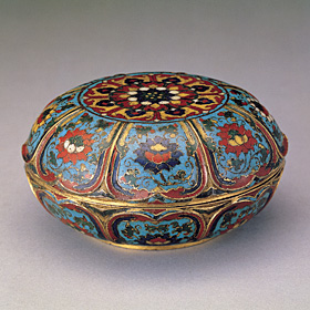Filigree Cloisonné Box with Lotus Motif