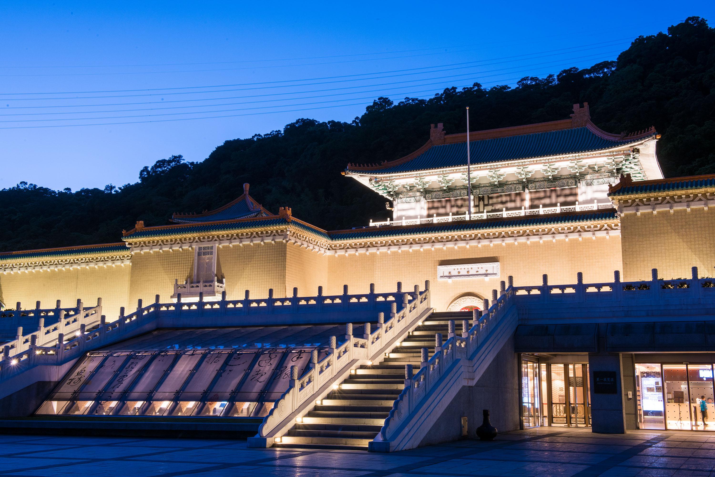 台北半日遊 故宮博物院  下雨天好去處 台北