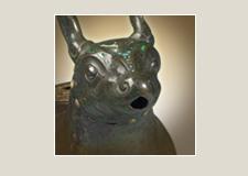 Деталь сосуда для вина цзунь в форме мифического зверя с инкрустациями из малахита и бирюзы (Выставочная серия 06)